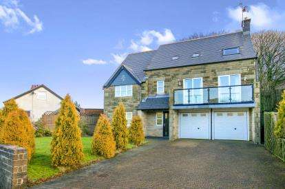 5 Bedrooms Detached House for sale in Burbage Heights, Buxton, High Peak, Derbyshire
