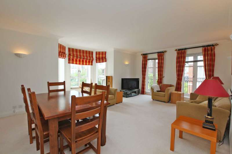 3 Bedrooms Apartment Flat for sale in Walnut Court, St Mary`s Gate, Kensington Green, W8