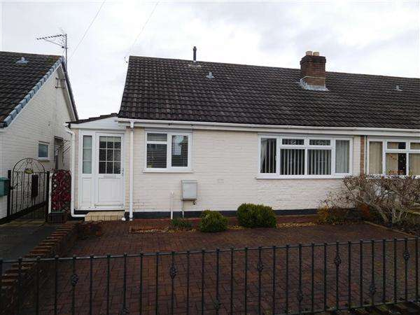 2 Bedrooms Bungalow for sale in Honddu Close, Caldicot