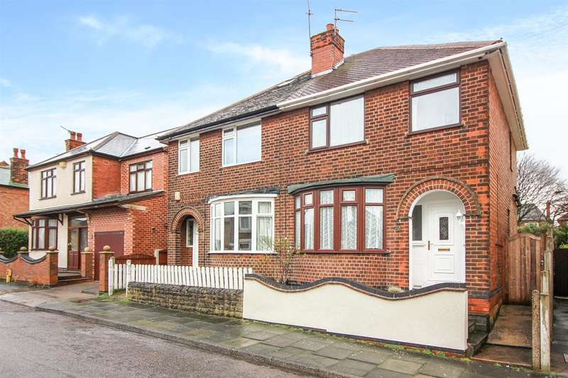 3 Bedrooms Property for sale in Ash Grove, Stapleford