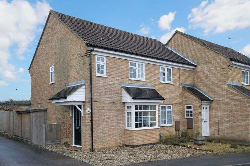 3 Bedrooms Terraced House for sale in Eynesbury, St Neots