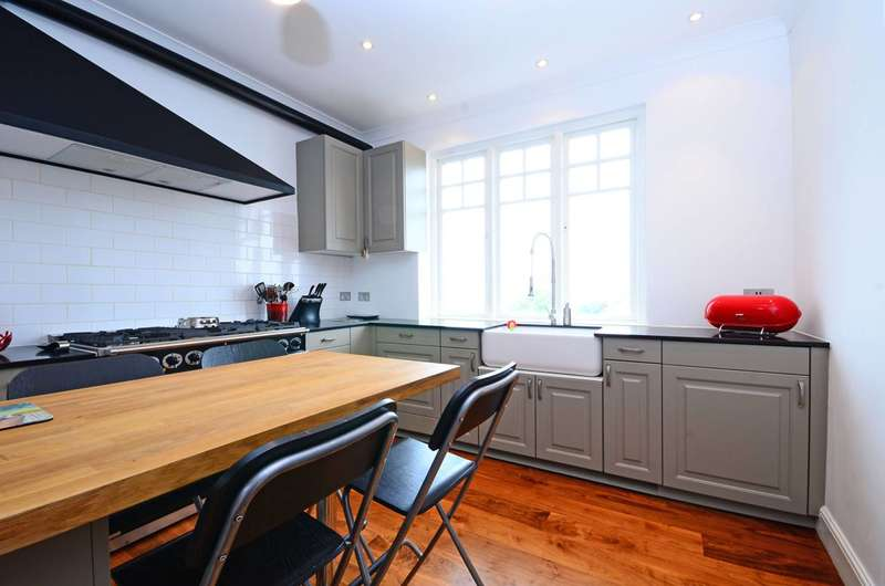 2 Bedrooms Flat for sale in Fortune Green Road, West Hampstead, NW6