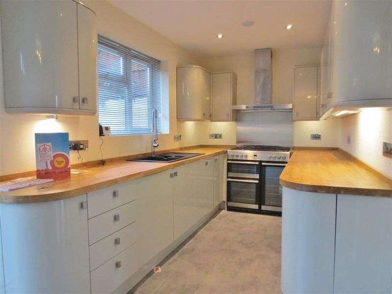 5 Bedrooms Detached House for rent in Greenfield Crescent, Brighton
