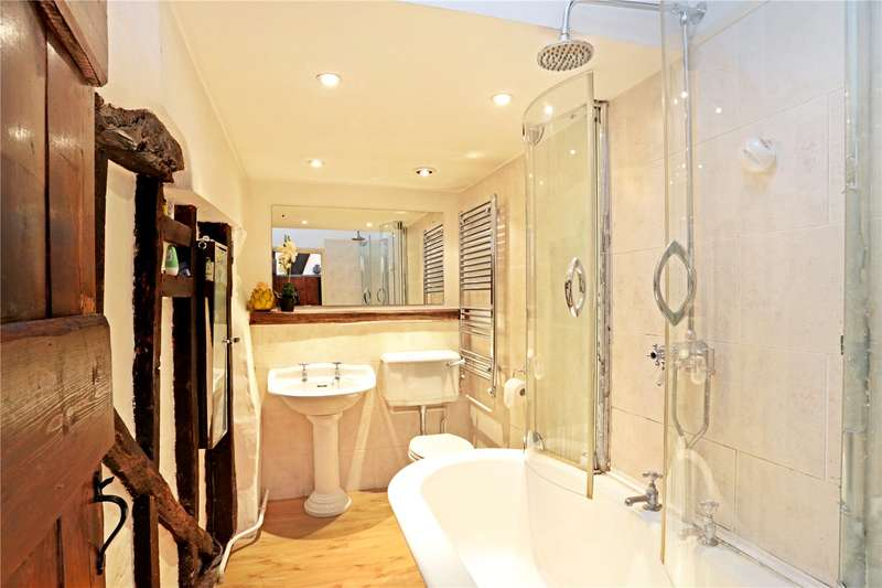 2 Bedrooms Semi Detached House for sale in Shipbourne Road, Tonbridge, Kent, TN10