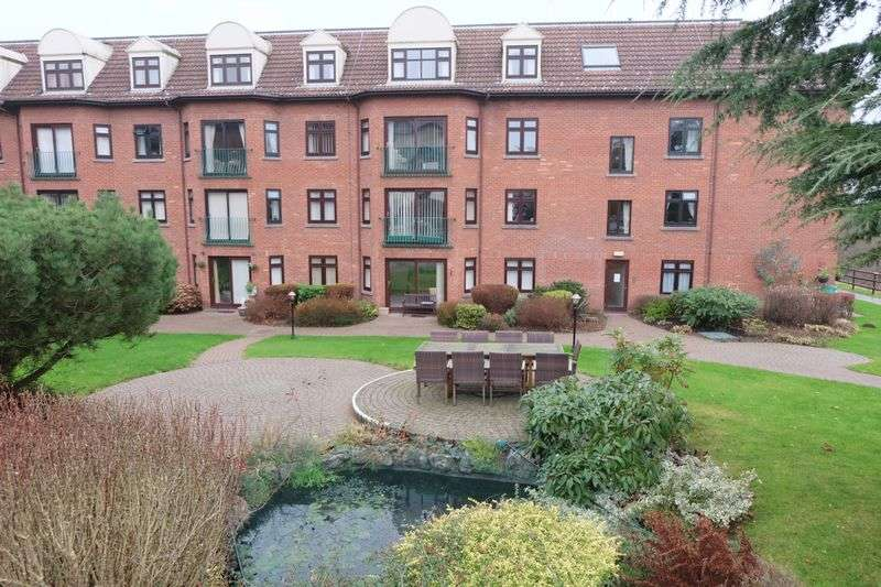 2 Bedrooms Flat for sale in Westley Court, Cookley DY10 3RT