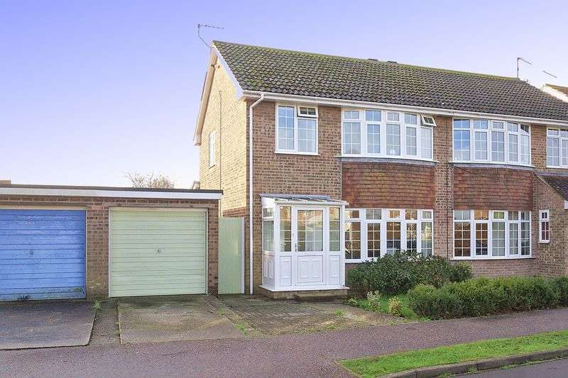 3 Bedrooms Semi Detached House for sale in Mornington Crescent, Felpham, PO22