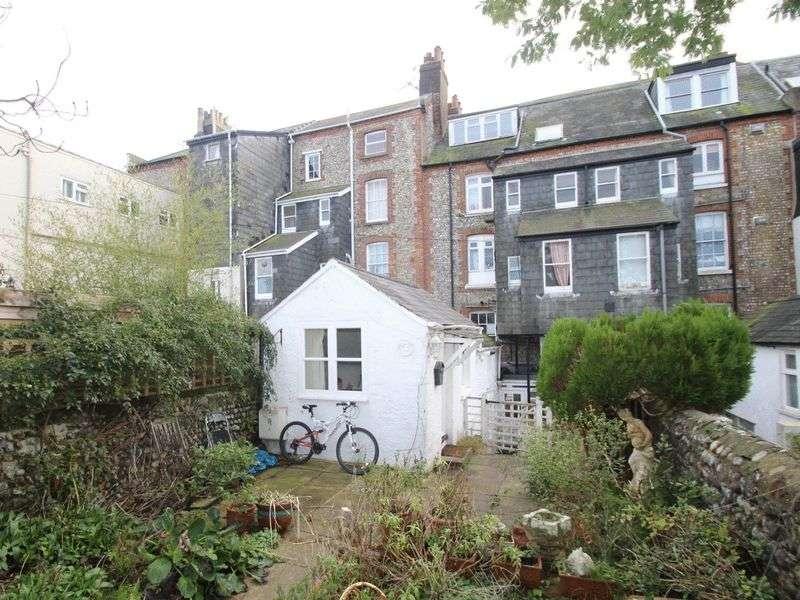 1 Bedroom Flat for sale in South Terrace, Littlehampton