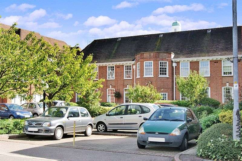 2 Bedrooms Retirement Property for sale in Belvedere Court, Hoddesdon, EN11 8UX