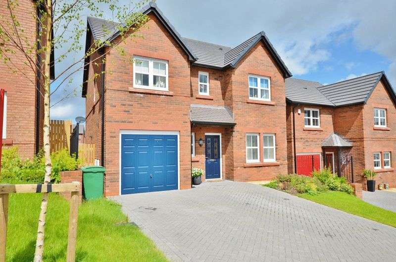 4 Bedrooms Detached House for sale in St Mungos Close, Dearham