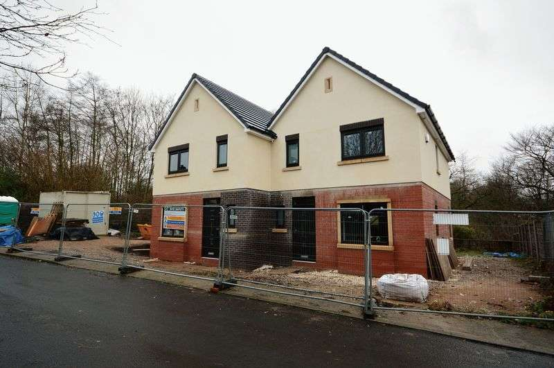 3 Bedrooms Semi Detached House for sale in Woodstock Drive, Bolton
