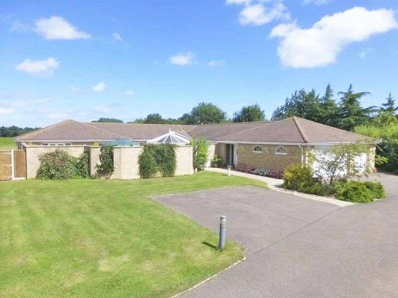4 Bedrooms Detached Bungalow for sale in Filby