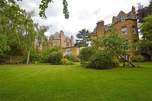 2 Bedrooms Flat for sale in The Lodge, Riverdale Road, Twickenham, St Margarets