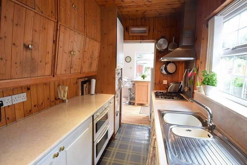 3 Bedrooms Semi Detached House for sale in Eton Wick Road, Eton Wick, SL4