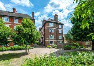2 Bedrooms Flat for sale in Lang House, Hartington Road, London