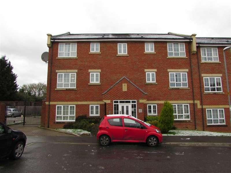 2 Bedrooms Property for sale in Watling Gardens, Dunstable, Bedfordshire, LU6