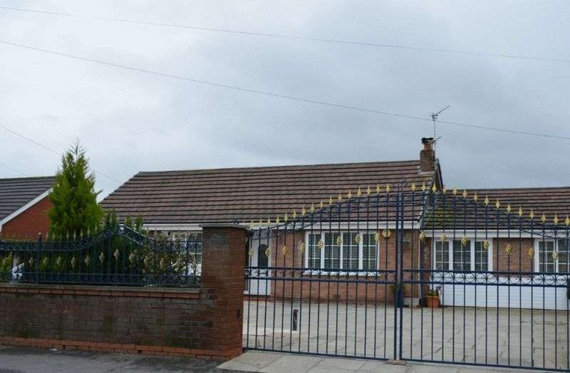 5 Bedrooms Detached House for sale in Church Lane, Lowton, WA3 2QZ