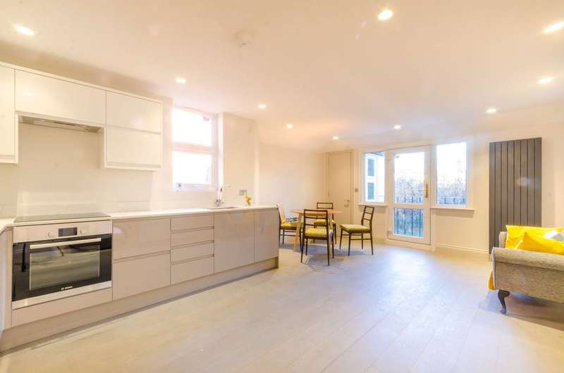 2 Bedrooms Maisonette Flat for sale in Oakmead Road, Balham, SW12