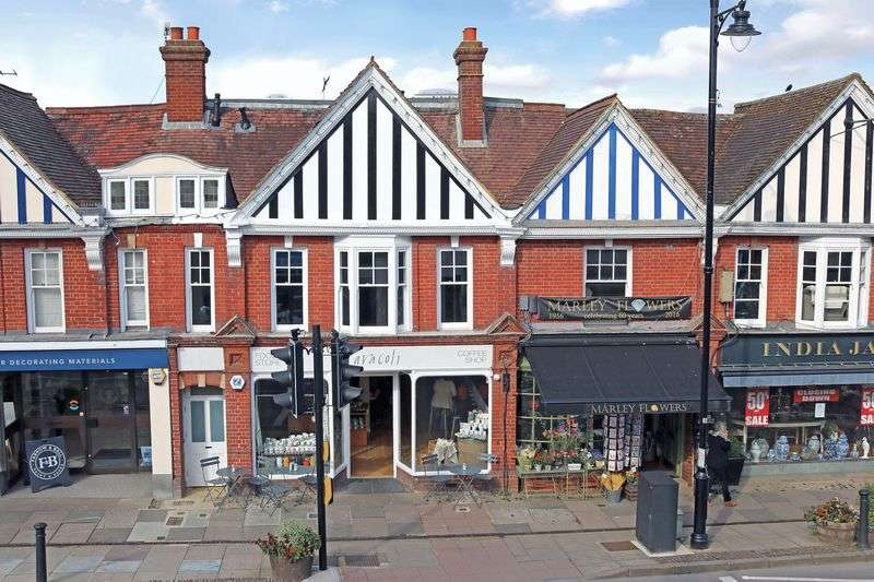 2 Bedrooms Flat for sale in Haslemere