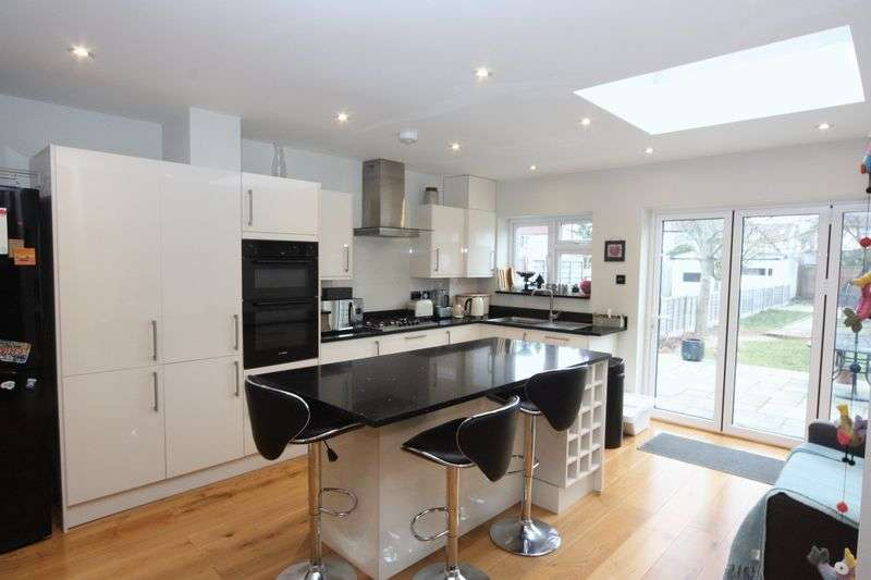 3 Bedrooms Terraced House for sale in Millet Road, Greenford