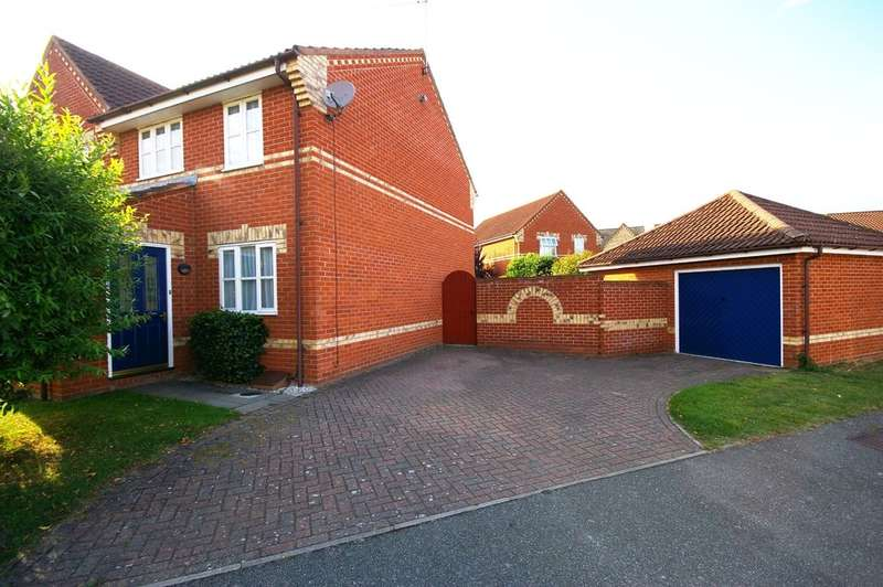 3 Bedrooms Semi Detached House for sale in Plummers Dell, Great Blakenham