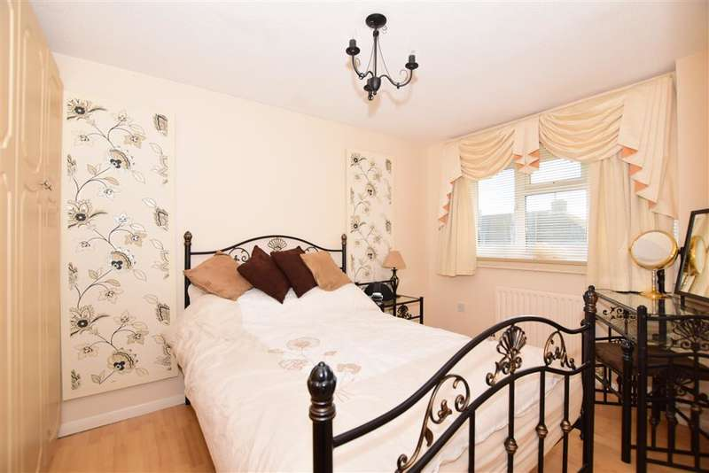 3 Bedrooms End Of Terrace House for sale in Bull Lane, Eccles, Aylesford, Kent