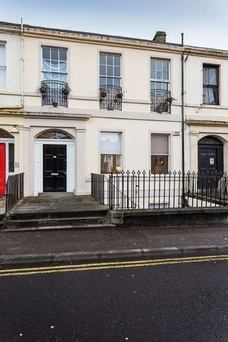 3 Bedrooms Maisonette Flat for sale in King Street, Dundee, Angus, DD1 2JD