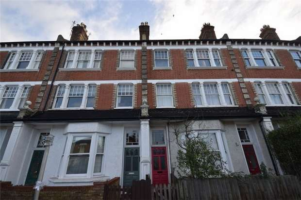 3 Bedrooms Flat for sale in Lebanon Park Mansions, Richmond Road, Twickenham