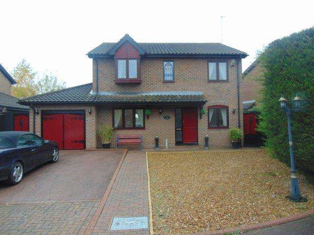 4 Bedrooms Detached House for sale in Riverside Mead, Stanground, Peterborough, Cambridgeshire, PE2 8JN