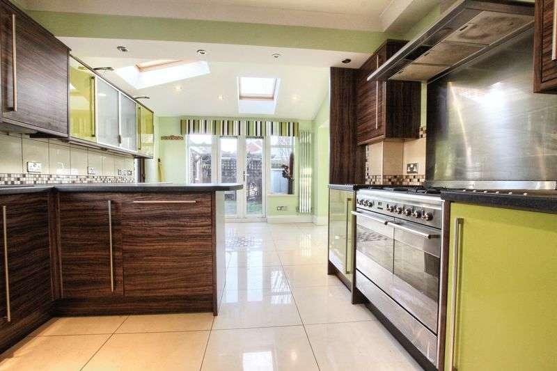 4 Bedrooms Property for sale in Castlemartin, Ingleby Barwick