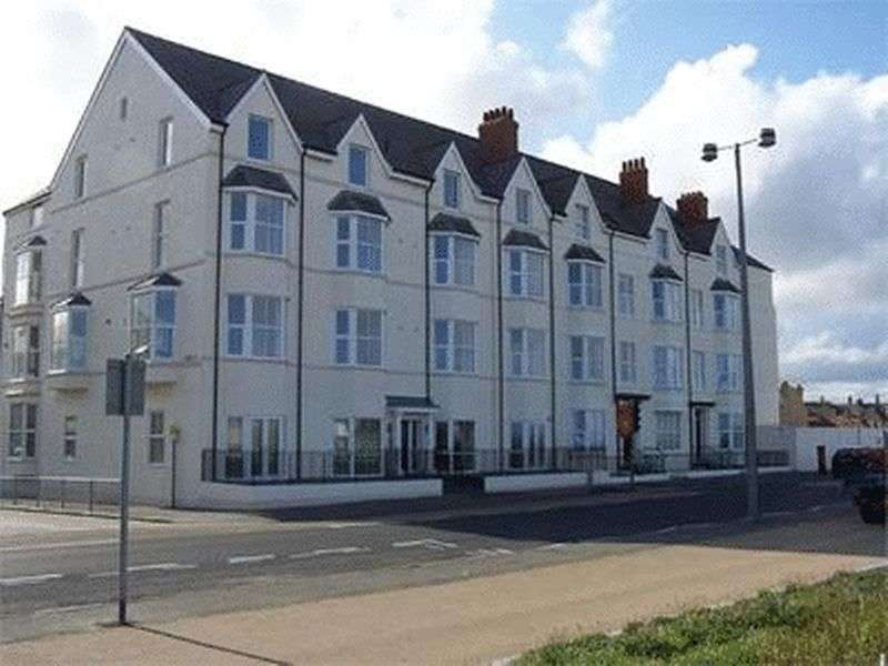 2 Bedrooms Flat for sale in 48-49 West Parade, RHYL