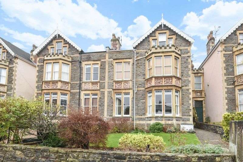 2 Bedrooms Flat for sale in Archfield Road, Redland