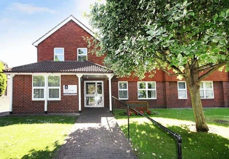 1 Bedroom Retirement Property for sale in South Farm Road, Worthing