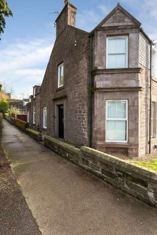 3 Bedrooms End Of Terrace House for sale in Southesk Street, Brechin, Angus, DD9 6AN