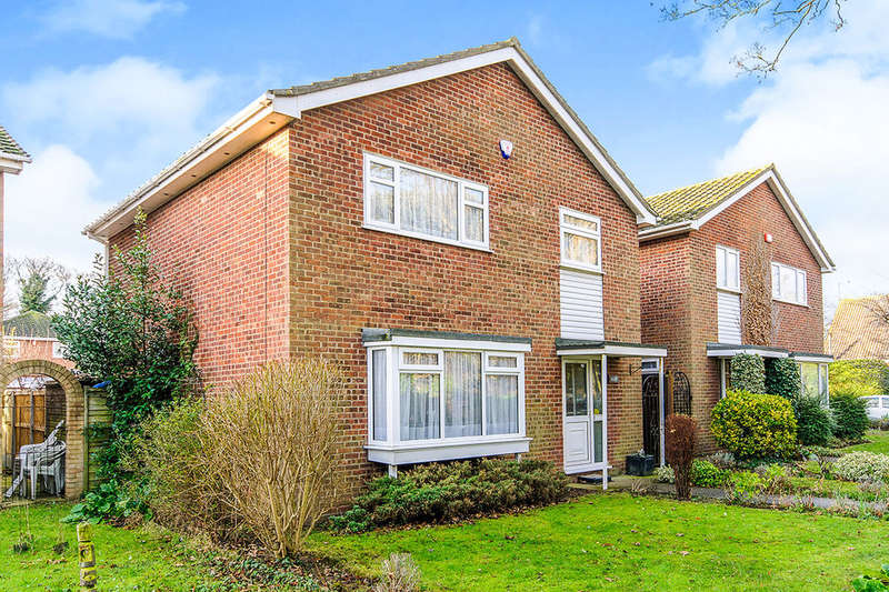4 Bedrooms Detached House for sale in Kingfisher Walk St. Peters Road, Broadstairs, CT10