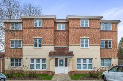 2 Bedrooms Flat for sale in Princess Drive, Boroughbridge Road, York, North Yorkshire