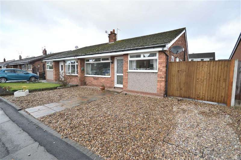 3 Bedrooms Property for sale in Waltham Drive, Cheadle Hulme, Cheadle