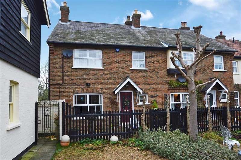 3 Bedrooms Property for sale in The Magpies, Epping Green