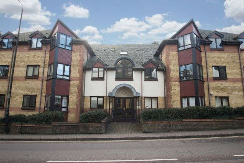 2 Bedrooms Flat for sale in Brooklands Court, Hatfield Road, St Albans