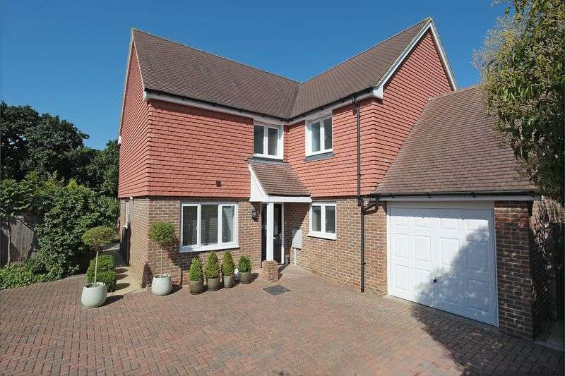 4 Bedrooms Detached House for sale in Sand Ridge, Ridgewood, East Sussex