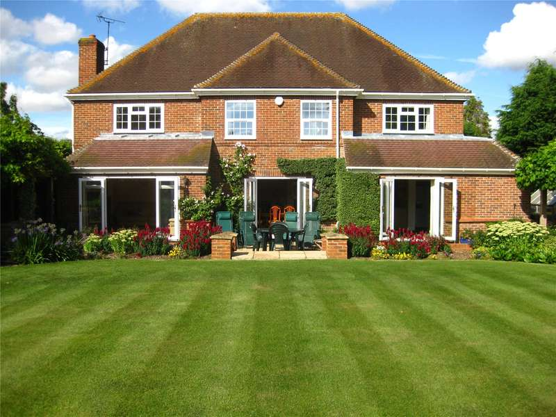 4 Bedrooms Detached House for sale in Inkpen Road, Kintbury, Berkshire, RG17