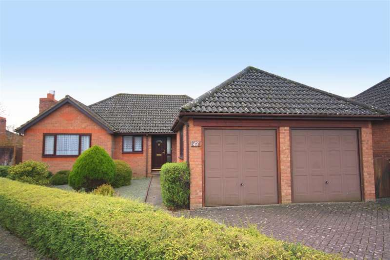 3 Bedrooms Detached Bungalow for sale in Maple Drive, Waterlooville