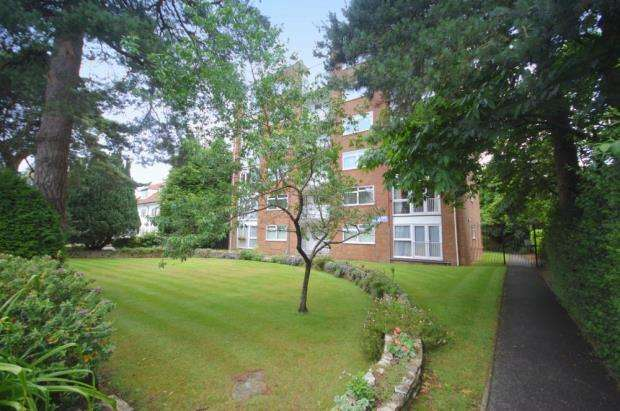 1 Bedroom Flat for sale in Westbourne, Poole, Dorset, BH12