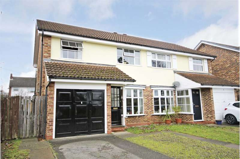 3 Bedrooms Semi Detached House for sale in Tyler Gardens, Addlestone, Surrey, KT15