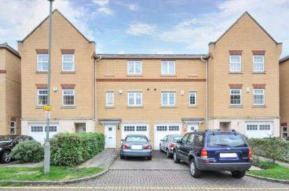 3 Bedrooms Terraced House for sale in Barkway Drive, Orpington