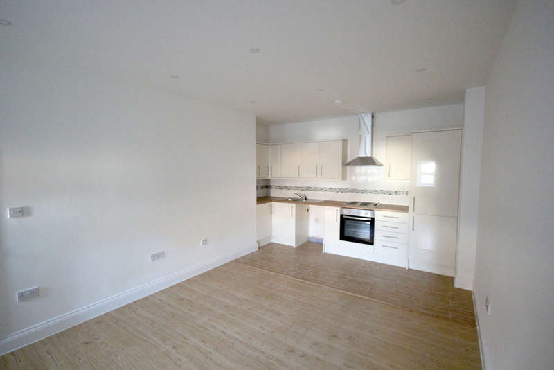 1 Bedroom Flat for sale in Angel Pavement, Royston