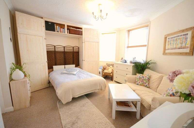1 Bedroom Flat for sale in Purbeck Road, Bournemouth