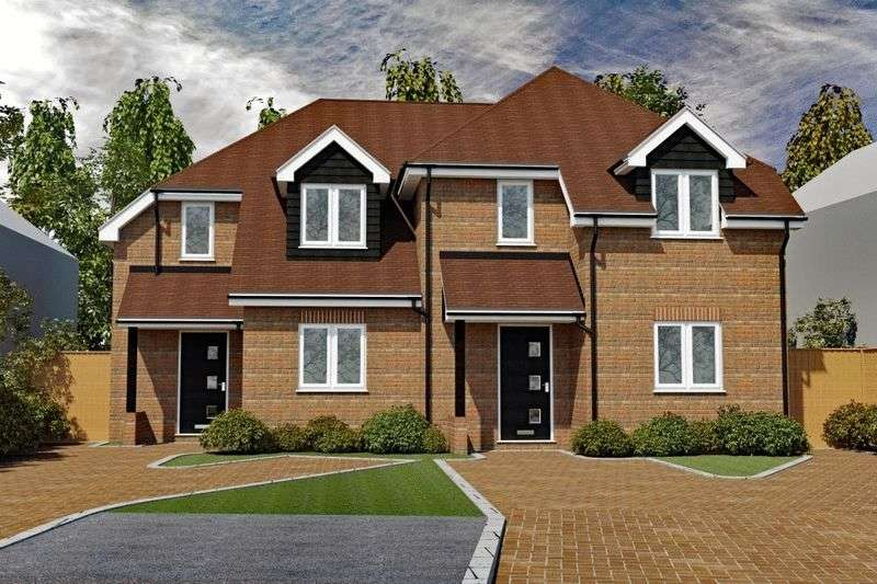 3 Bedrooms Semi Detached House for sale in Holmer Green