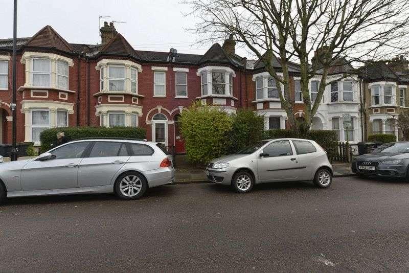 2 Bedrooms Flat for sale in Kitchener Road N15