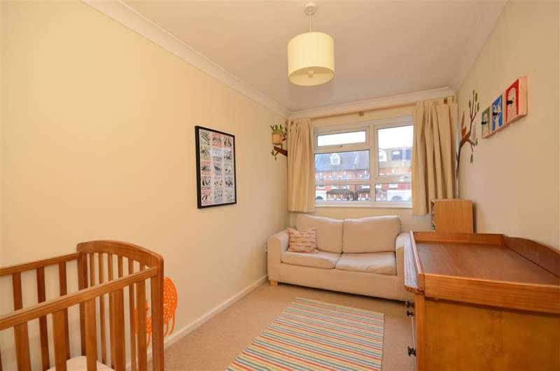 2 Bedrooms Ground Flat for sale in Cambridge Road, Wanstead