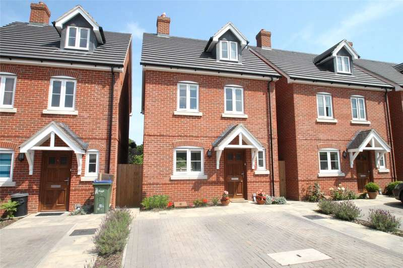 4 Bedrooms Detached House for sale in Langmeads Close, East Preston, West Sussex, BN16